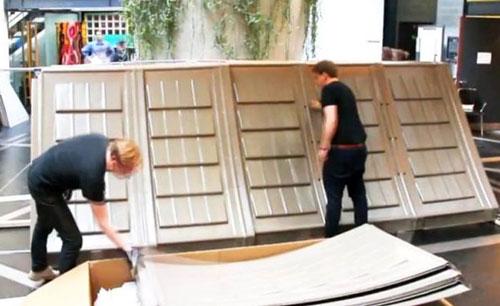 Процесс сборки дома. Панели крыши