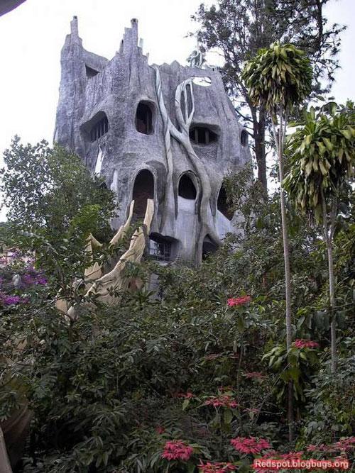 здание из камня